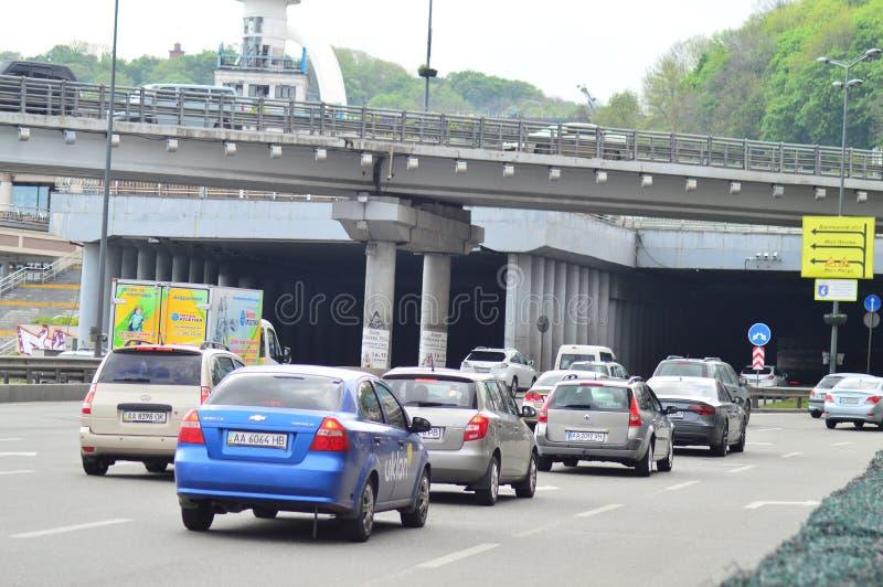 Kiev, Ucrânia Ucrânia 7 05 2019; Transporte em Kiev e em vida urbana imagens de stock