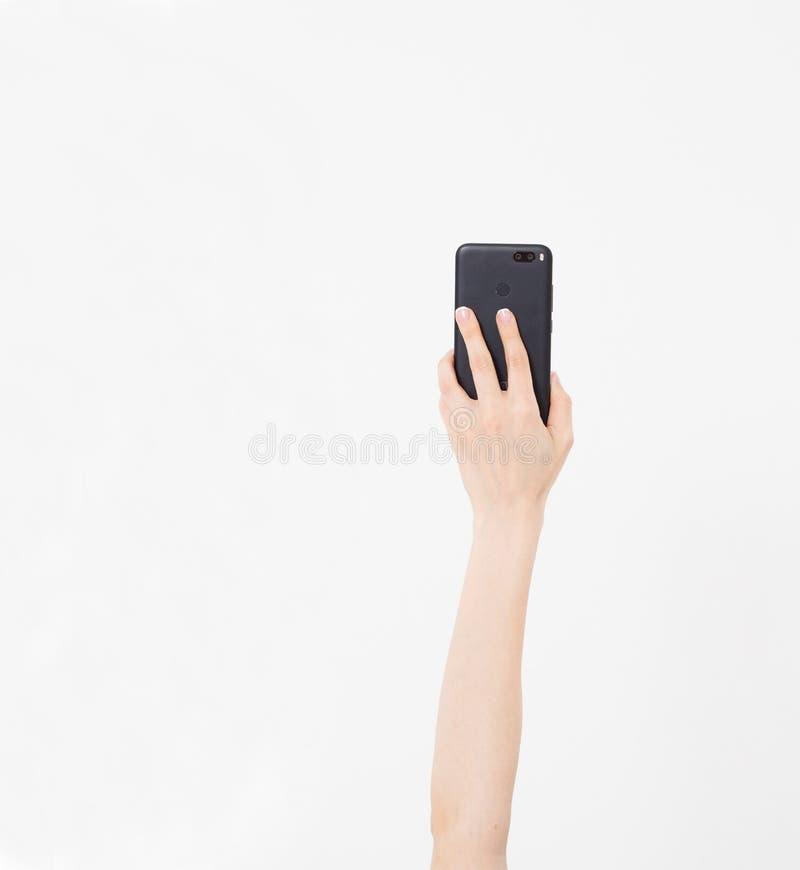 Kiev, Ucrânia, 06 01 2018: xiaomi MI a1 dispositivos da porcelana Terra arrendada da mão imagem de stock royalty free
