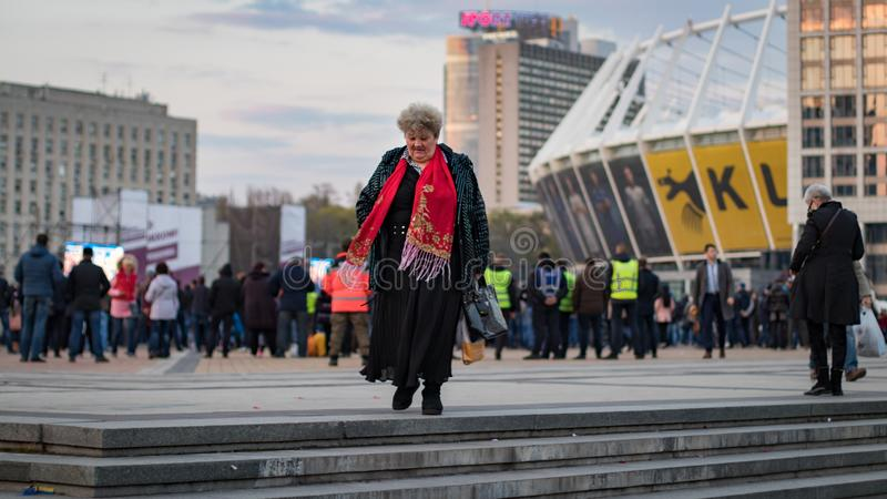 Kiev, Ucraina 19 aprile 2019 Dibattito presidenziale 2019 di uA Stadio di Kiev Olympiyskiy fotografia stock