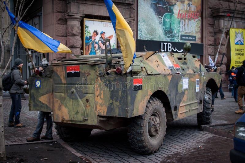 Kiev Ucraina 23 febbraio 2014 La via centrale della città dopo infuriare delle barriere durante il EuroMaidan immagine stock