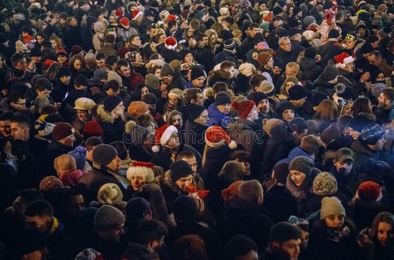 Kiev, Ucraina - 1° gennaio 2017: Quadrato di Sophia La gente sta celebrando il nuovo anno immagine stock libera da diritti