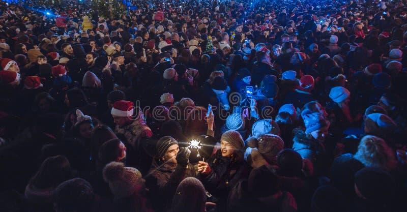 Kiev, Ucraina - 1° gennaio 2017: Quadrato di Sophia La gente sta celebrando il nuovo anno immagini stock