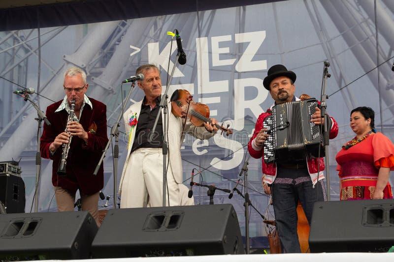 Kiev, Ucraina - 12 maggio 2018: Banda etnica del villaggio di Hudaki della banda sul festivalc della fase fotografia stock libera da diritti