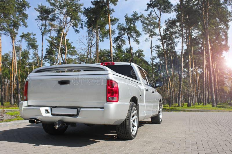 Kiev, Ucrania; 10 de abril de 2015 Dodge Ram SRT-10 imágenes de archivo libres de regalías