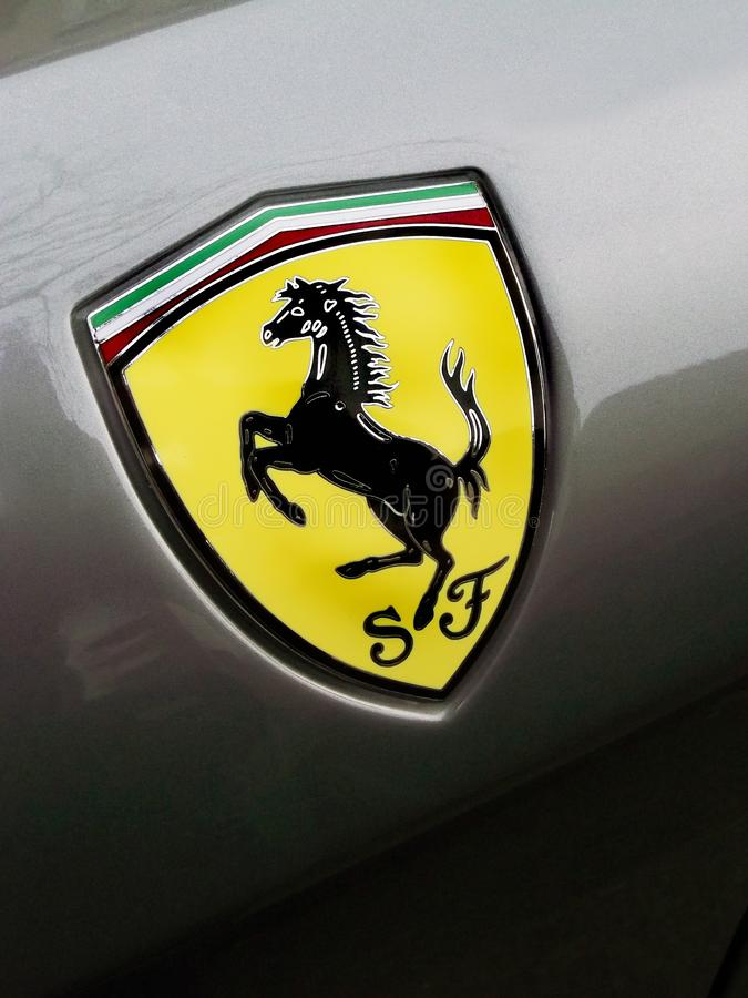 Kiev, Ucrania - 11 de abril; Emblema de Ferrari Caballo fotos de archivo libres de regalías