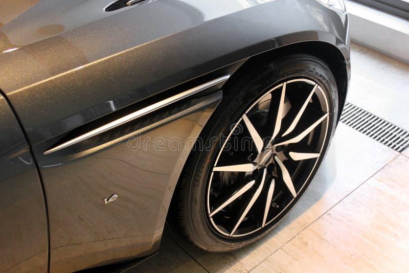 Kiev, Ucrania 28 de agosto de 2017 Aston Martin DB11 Nuevo coche fotografía de archivo libre de regalías