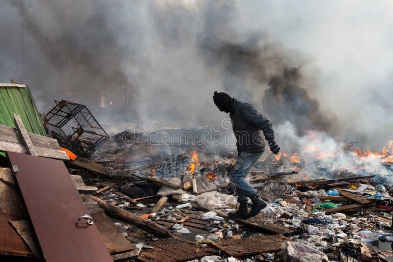 KIEV, UCRANIA - 19 de febrero de 2014: Protestas antigubernamentales totales imagenes de archivo