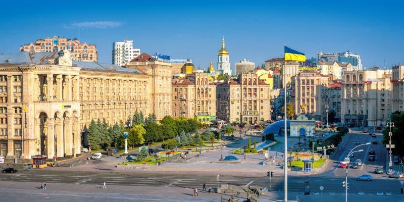 Kiev, Ucrania, Maidan Nezalezhnosti o cuadrado de la independencia en el centro de ciudad imagen de archivo libre de regalías