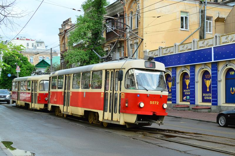 Kiev, Ucrania Ucrania 7 05 2019; Transporte en la vida de Kiev y de ciudad imagen de archivo