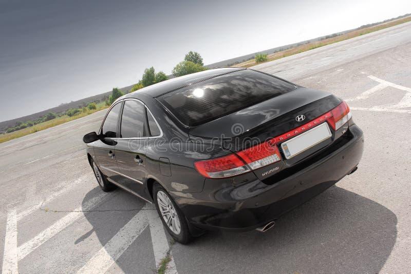 Kiev Ukraina - Augusti 6, 2018: Hyundai prakt på vägen fotografering för bildbyråer