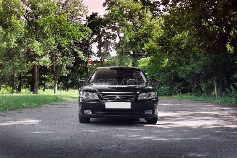 Kiev Ukraina - Augusti 6, 2018: Hyundai prakt p? v?gen arkivbilder