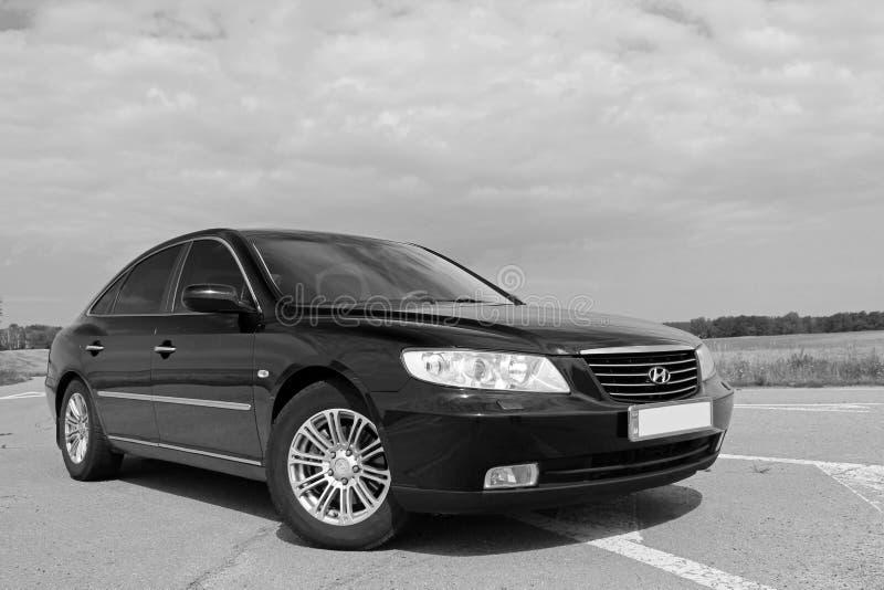 Kiev Ukraina - Augusti 6, 2018: Hyundai prakt p? v?gen arkivfoton