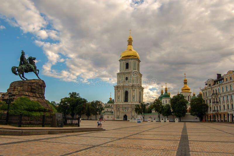 kiev Ukraina 02 juli 2017 Monumentet till Bogdan Khmelnitsky i Kiev på det Sofia området arkivbild