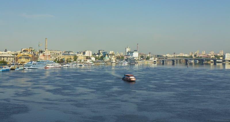 Kiev flod port royaltyfri bild