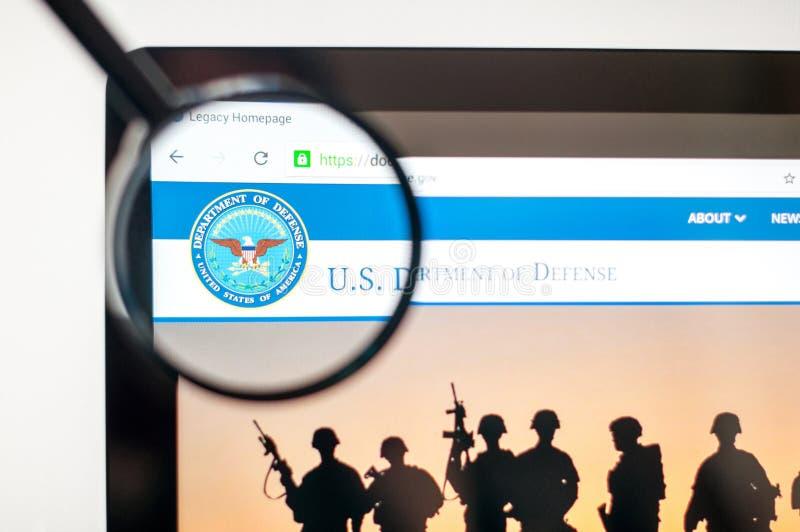 Kiev, Ukraine - 6 avril 2019 : U S Département de page d'accueil de site Web de la défense U S Département de logo de la défense  illustration libre de droits