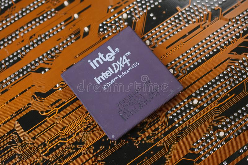 KIEV, UKRAINE - janv. 28, 2018 Processeur d'Intel 486DX4 photo stock