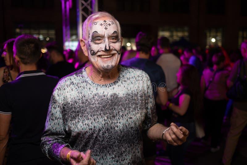 Kiev, Ukraine, Santa Muerte Carnival, 20 07 2019 Dia de Los Muertos, jour des morts Veille de la toussaint homme plus âgé avec le photos stock