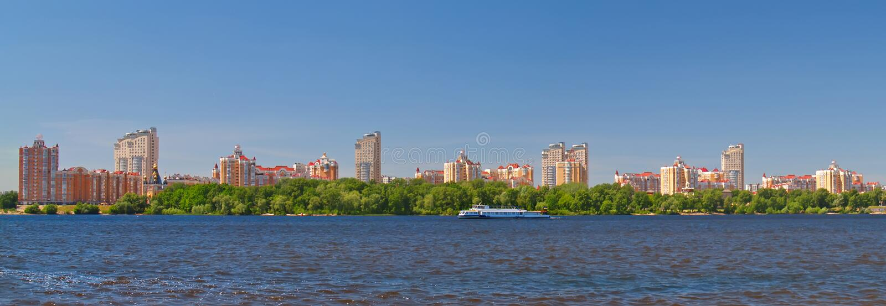 Kiew auf Fluss Dnieper, Ukraine stockfotos