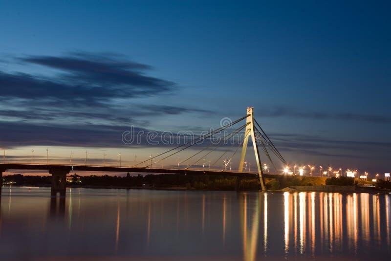 Kiew-Brücke stockfotos