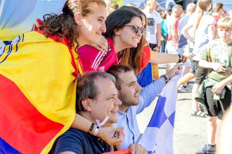 Kiew, Ukraine, im Mai 2018:- Fans von Real Madrid machen ein Foto befo lizenzfreies stockfoto
