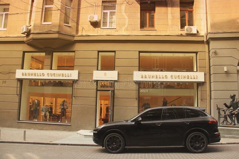 Kiew, Ukraine - 3. Mai 2019: Porsche Cayenne in der Stadt lizenzfreies stockfoto