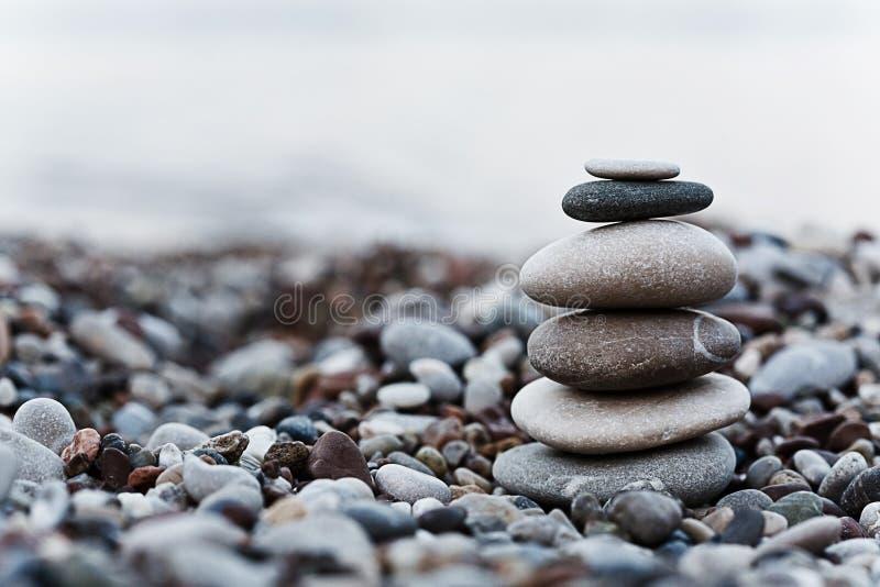 Kiezelsteen op strand stock foto's