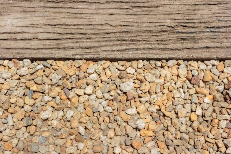 kiezelsteensteen en weg als achtergrond stock afbeelding