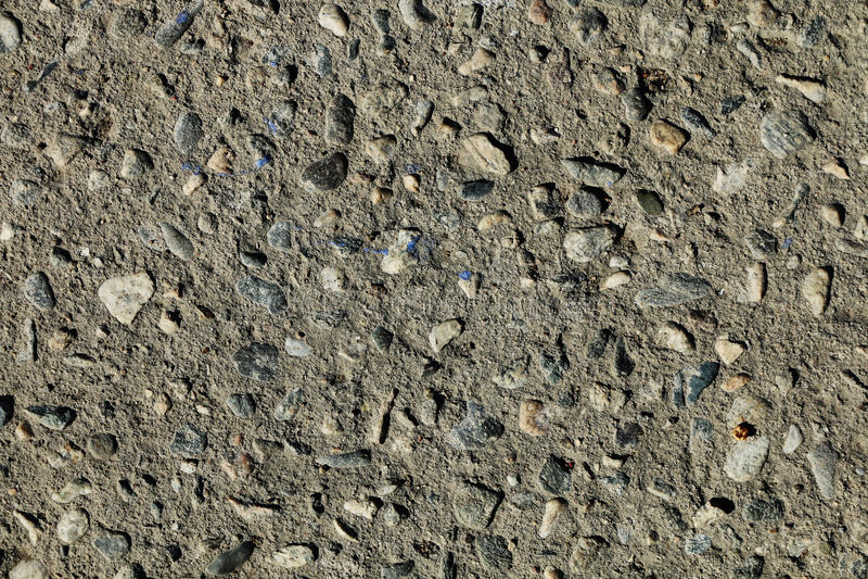 Kiezelstenen in grond stock foto's
