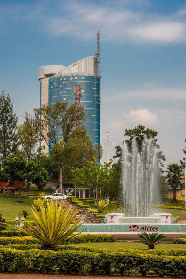 Kigali, Ruanda - 20 settembre 2018: Una rotonda vicino alla città immagine stock libera da diritti