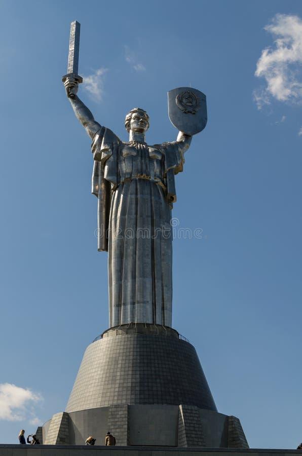 Kijów Ukraina, Kwiecień, - 15, 2017: Matka krajów ojczystych monumen zdjęcia stock
