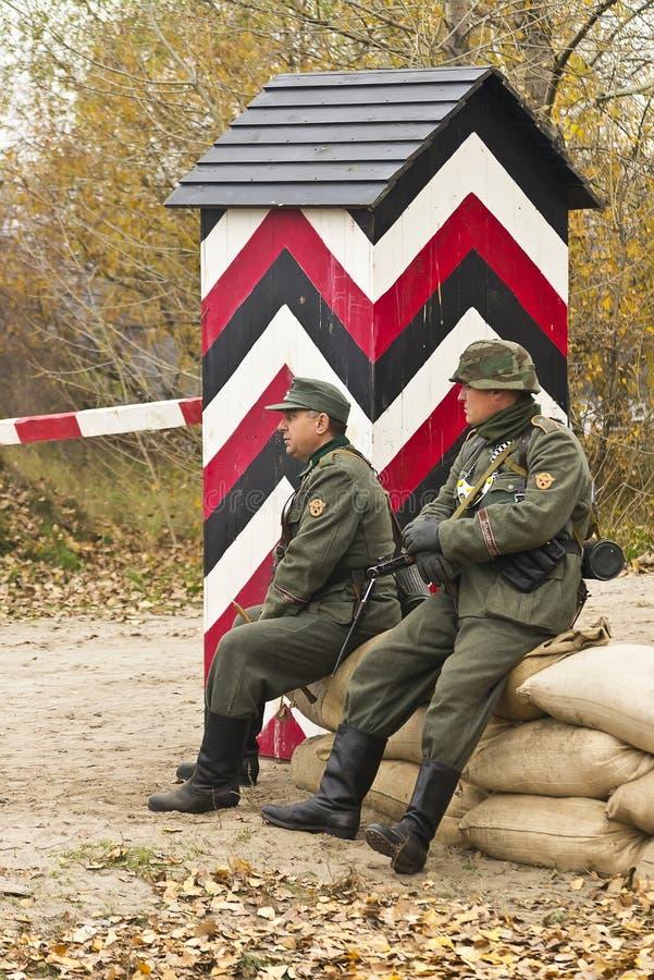 KIJÓW UKRAINA, NOV, - 3. Niezidentyfikowani członkowie rewolucjonistki gwiazdy histor zdjęcie royalty free