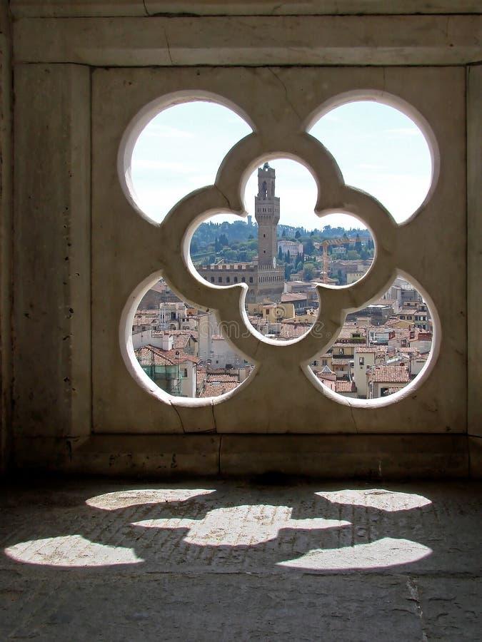 Kijk door een venster van toren Giotto royalty-vrije stock foto's