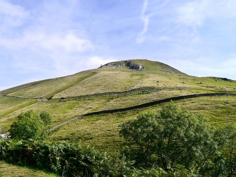 Kijkend op Gray Crag, noordelijk gezicht stock afbeeldingen