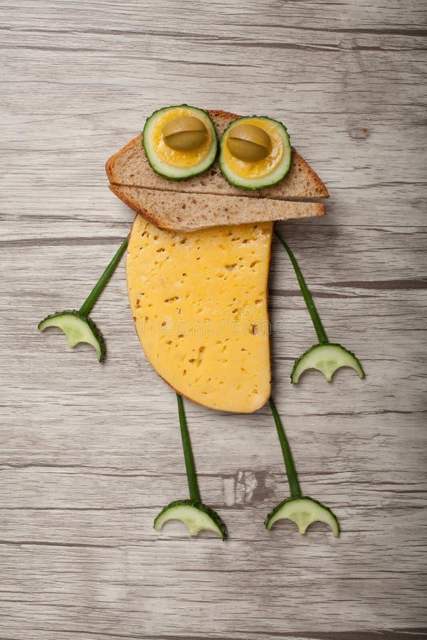 Kikker van brood en groenten wordt gemaakt die royalty-vrije stock foto