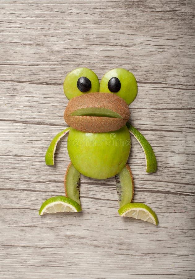 Kikker van kiwi en appel wordt gemaakt die royalty-vrije stock afbeelding