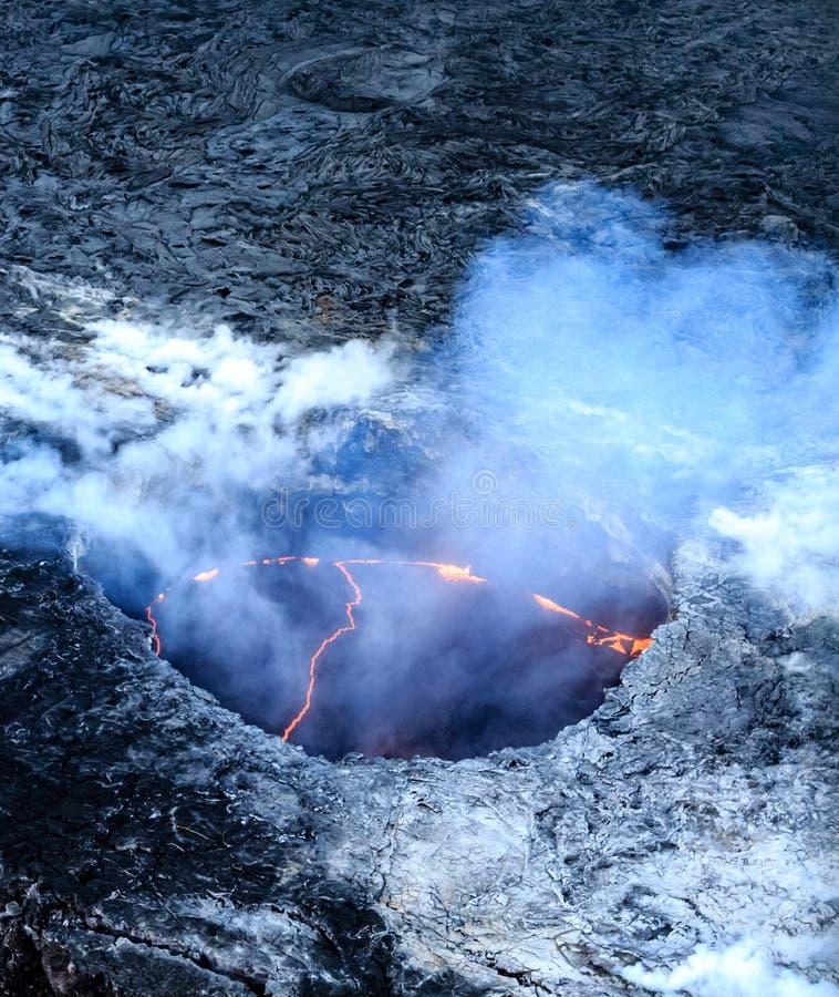 Kilauea火山口空中射击在火山国家公园 免版税库存图片
