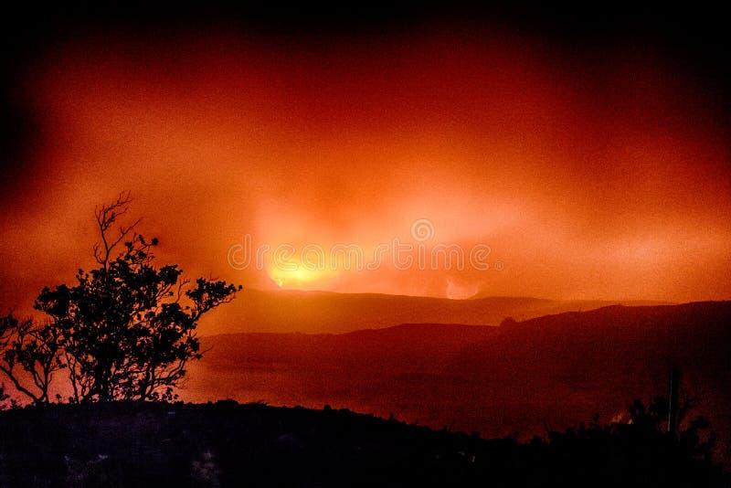 Kilaueauitbarsting in de Mist stock afbeeldingen