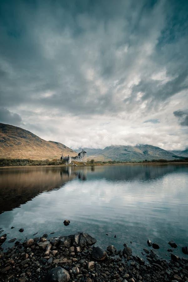 Kilchurn Castle auf Loch Awe in Schottland stockfotos
