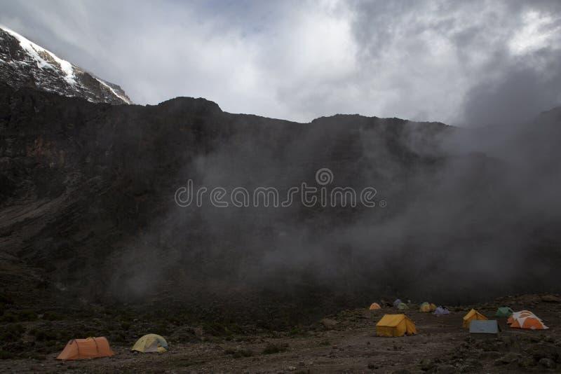 Kilimanjaro-Lager lizenzfreies stockfoto