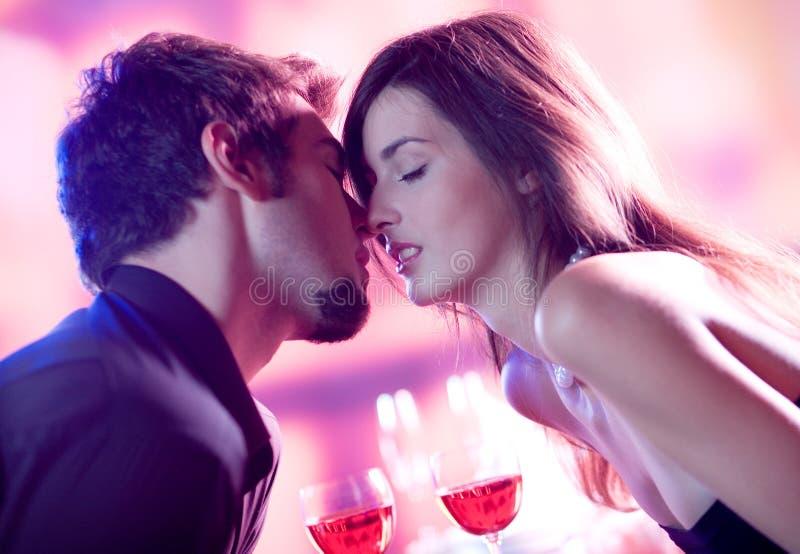 kilka całowania young zdjęcia royalty free