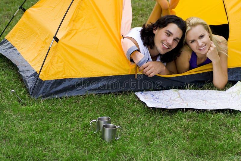 kilka map odczyty namiot zdjęcia royalty free