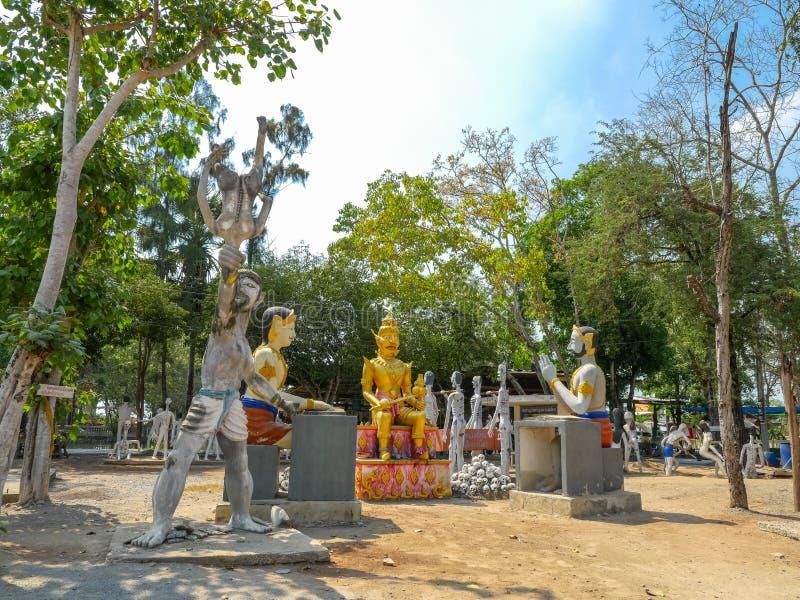 kilka statuy Buddha posturesimulate statuy zły peopl obraz stock