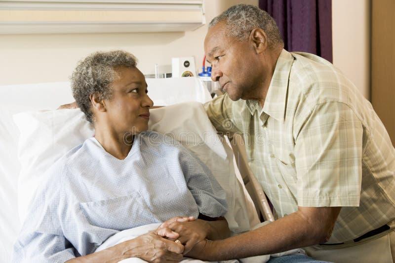 kilka szpitalnej stanowisko starszych razem fotografia royalty free