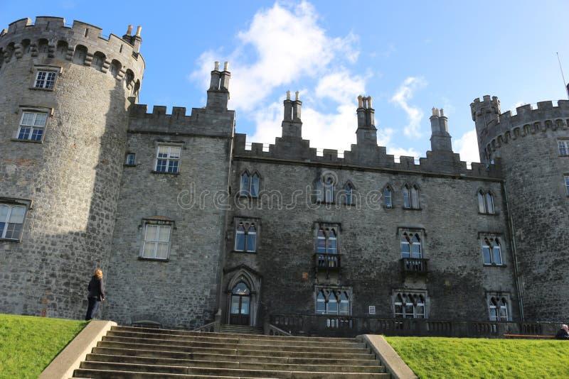 Kilkenny Castle Ιστορικό ορόσημο στην πόλη Kilkenny στην Ιρλανδία στοκ εικόνα με δικαίωμα ελεύθερης χρήσης