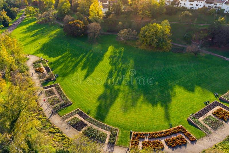 Killesberg parkerar det utomhus- gräs- landskapet Autum för den Stuttgart Tyskland arkivbilder