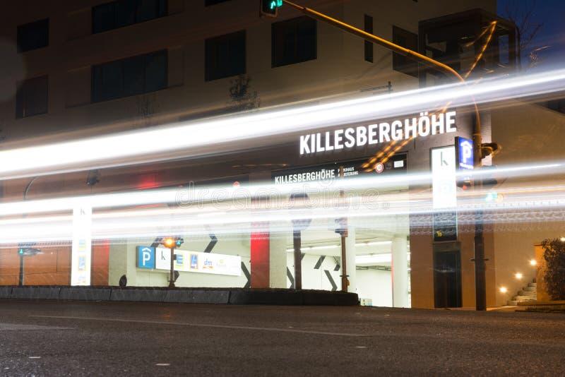 Killesberghoehe-Nachbarschafts-Appartementkomplex-teures modernes lizenzfreie stockfotografie