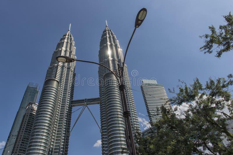 Kiloliter-Twin Tower lizenzfreie stockfotos