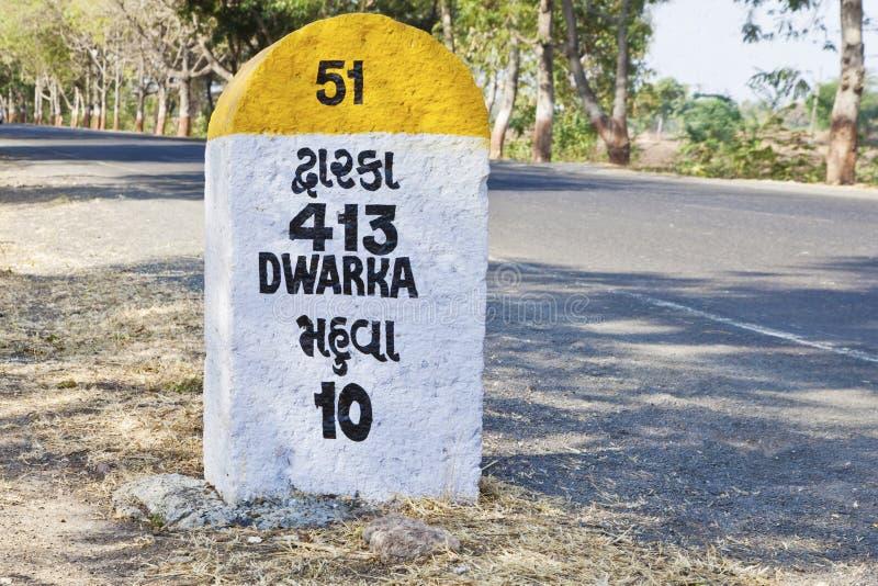 413 kilometer till den Dwarka milstolpen royaltyfri foto
