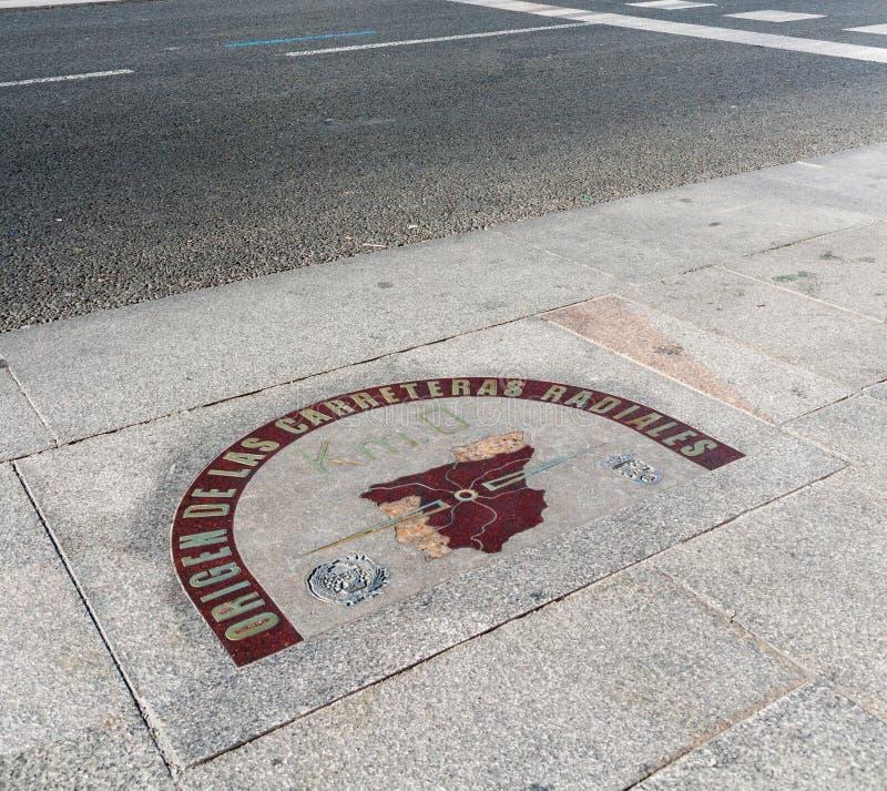 Kilometr zero podpisuje wewnątrz Puerta Del Zol kwadrat, Madryt fotografia stock