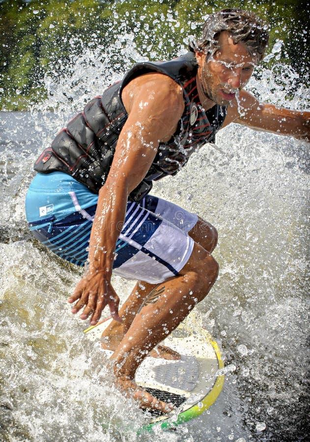 Kilwateru surfing zdjęcie stock